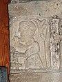 Sculpture d'homme dans la chapelle Saint-Michel.jpg