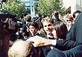 Shannon Doherty Jason Priestly Fred Savage1991.jpg