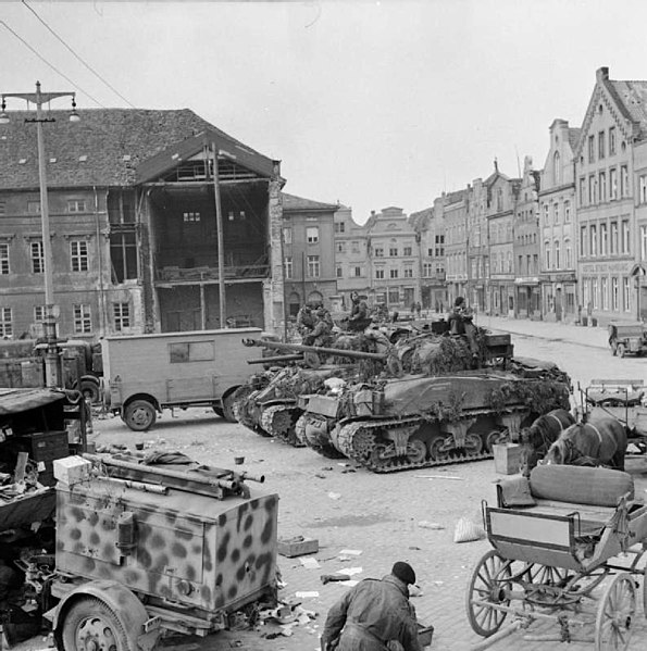 File:Shermans and transports of RSG in Wismar.jpg ...