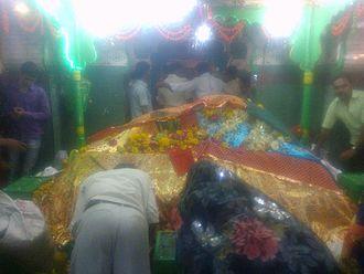 Hazrat Turabul Haq Dargah - Image: Shrine of hazarat shah turabul haq of parbhani