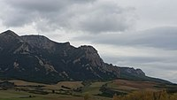 Sierra de Codes con el monte Ioar en Navarra 05.jpg