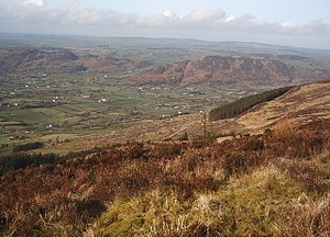 Ó hAnluain - Sliab Gullion's western slope, looking out into the Fews with Duburren below.