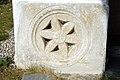 Soerg Pfarrkirche roemische Kanalabdeckplatte 18032007 23.jpg