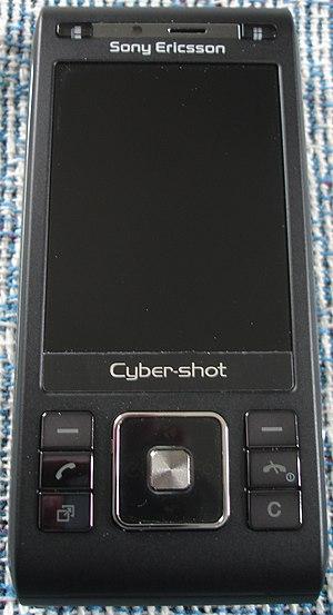 Sony Ericsson C905 - Image: Sony Ericsson c 905 closed