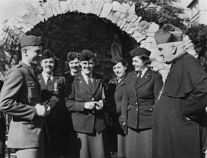 James Duhig - Archbishop Duhig meeting with US Army personnel ca. 1944 at St Stephen's Cathedral