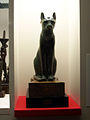 Statue of Bastet at British Museum (5341284403).jpg