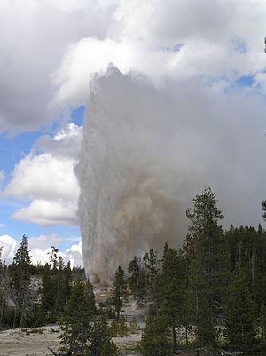 Steamboat Geyser - Image: Steamboat Geyser Major Eruption in 2005