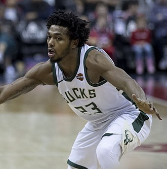 Sterling Brown (basketball) - Brown playing for the Bucks in 2018