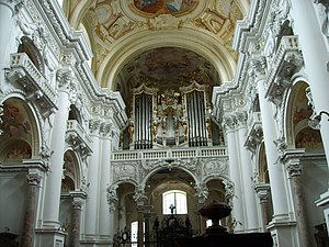 Os justi (Bruckner) - Interior of St. Florian Abbey, where the dedicatee was choir master