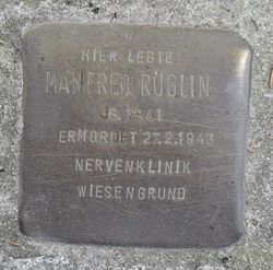 Photo of Manfred Röglin brass plaque