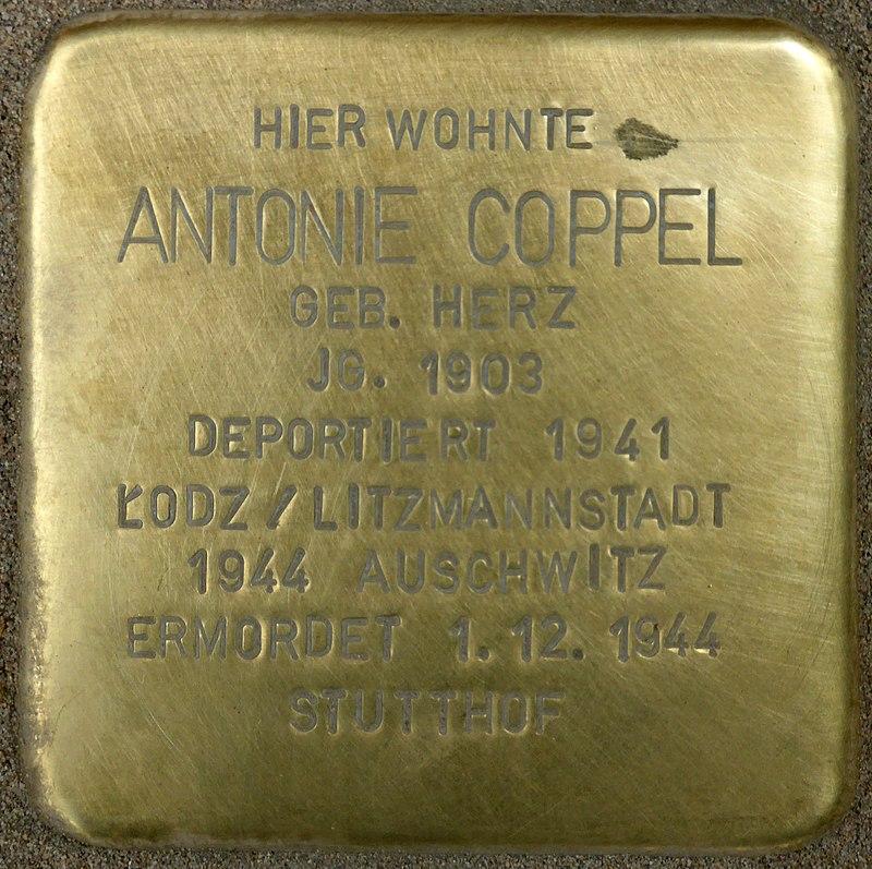 Stolperstein für Antonie Coppel (Bahnhofstraße 48)