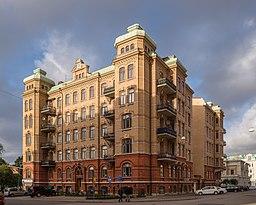 Boligejendom tegnet af Hjalmar Cornilsen i krydset Storgatan/Götabergsgatan.