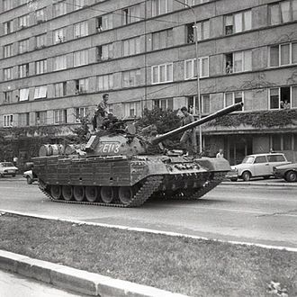Golaniad - TR-85 tank in Bucharest in early 1990, during the Golaniad.