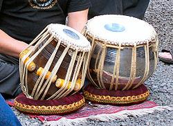 Dvojice bubnů Tabla.