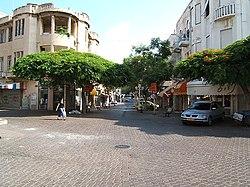 Tel Aviv Nachalat Binyamin street.JPG