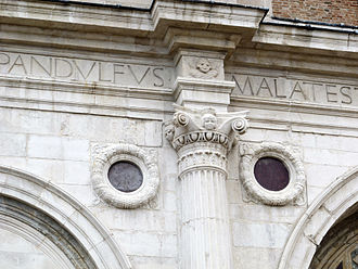 Leon Battista Alberti - Detail of the facade of Tempio Malatestiano