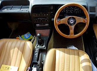 Lancia Thema - Image: Terenure, Co. Dublin Ireland (6037681283)