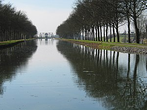 Canal du Centre (Belgium) - Old section of the canal, and boat lift no. 4