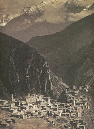 Peoples of the Caucasus - The village of Tindi, in Dagestan, in the late 1890s