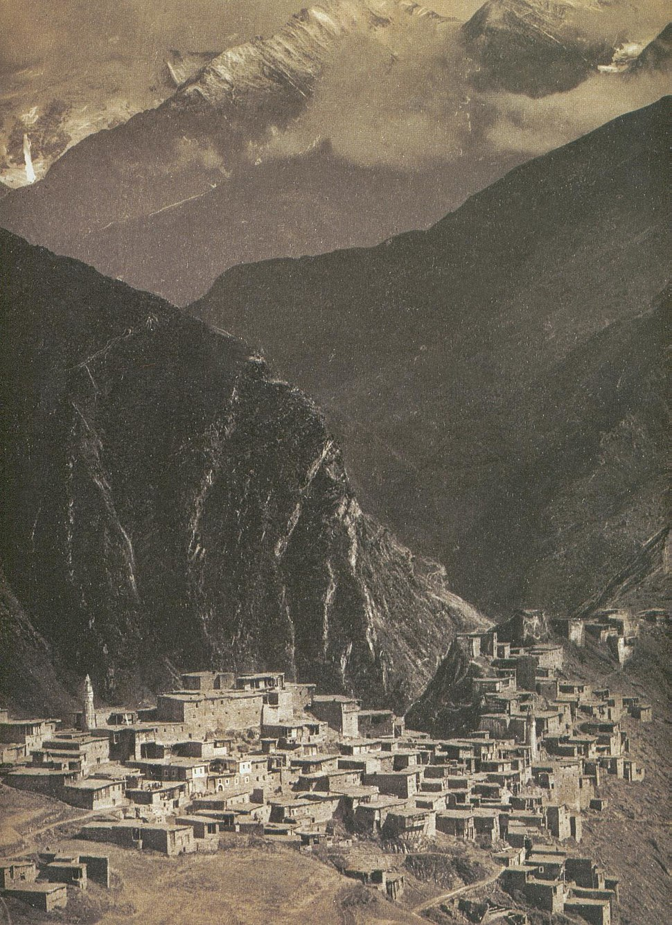 Tindi, Daghestan (M. de Déchy, late 1890s)