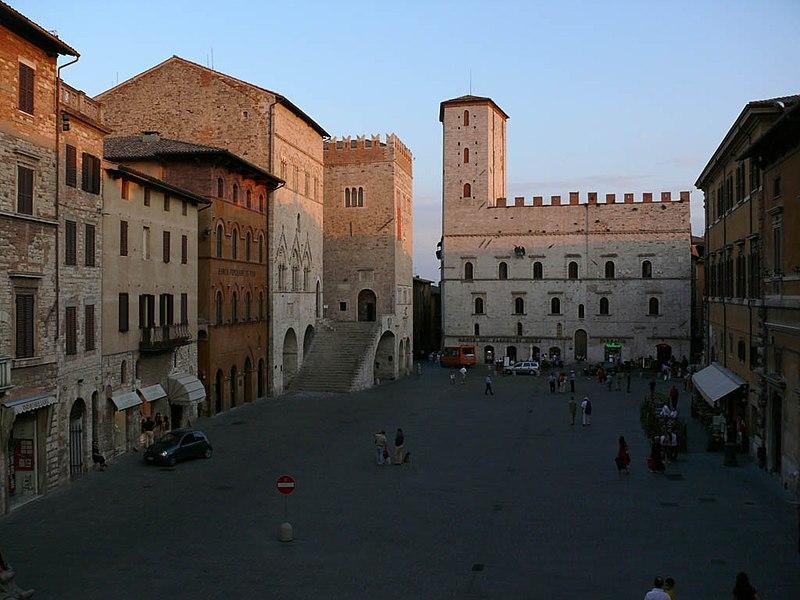 File:Todi square z01.jpg
