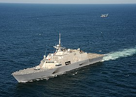 USS Freedom (LCS-1) under helikoptercetificering 2009