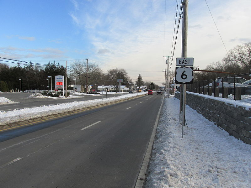 File:US Route 6 eastbound, North Westport MA.jpg