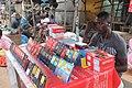 Une vendeur de téléphone à Aboisso.jpg