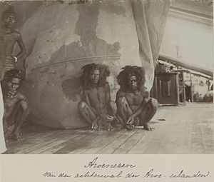Aru Islands - Inhabitants of the eastern coast of the Aru Islands, photographed late 1899 during the Siboga Expedition.