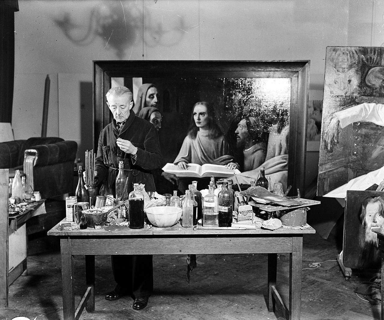 Ван Мегерен в 1945 году пишет картину «Иисус среди книжников» для судебного эксперимента