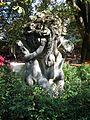 Vase mit Putten Tierpark Hellabrunn Muenchen-1.jpg