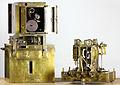 "Vening Meinesz pendulum apparatus (""Gouden Kalf"").JPG"