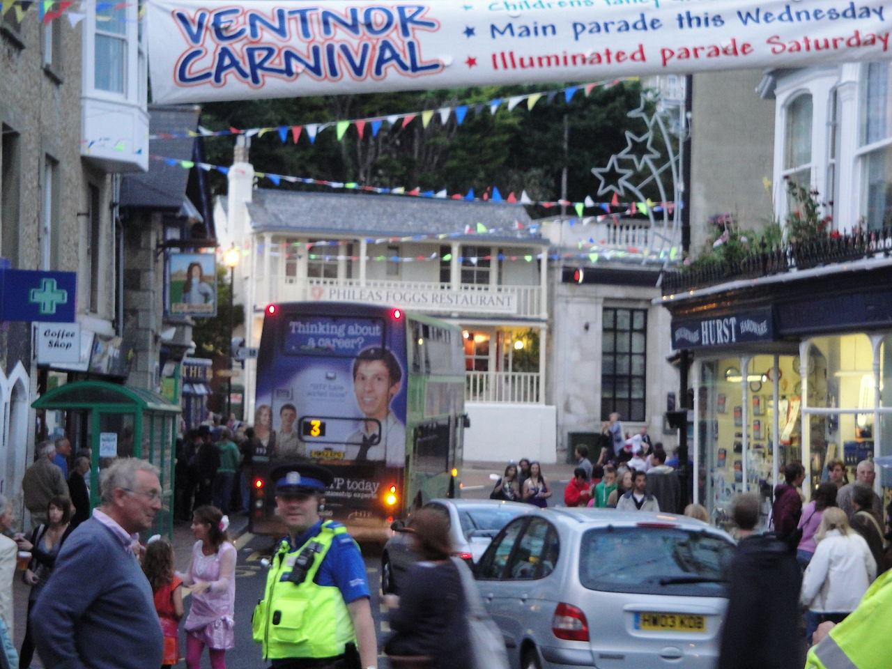 File:Ventnor High Street after Carnival 2011 JPG - Wikimedia Commons