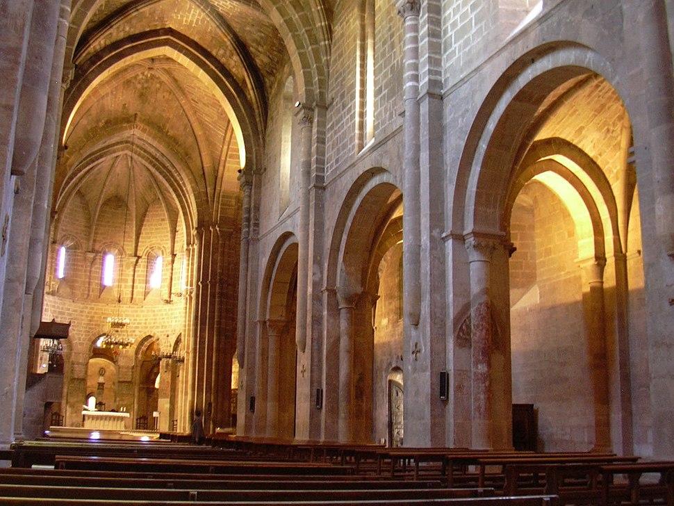 Veruela - Iglesia abacial de Santa María de Veruela - Vista desde el pie