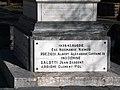 Vezzani monument Preziosi.jpg