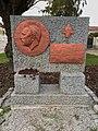 Viktor Kaplan Denkmal.jpg
