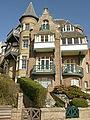 """Villa """"Ajoncs"""" (1919), dubbelvilla, Bergdreef 11, Engelsestr. 12, Duinbergen ( 8300 Knokke-Heist).jpg"""