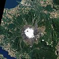 Villarrica volcano feb 2015 from space.jpg
