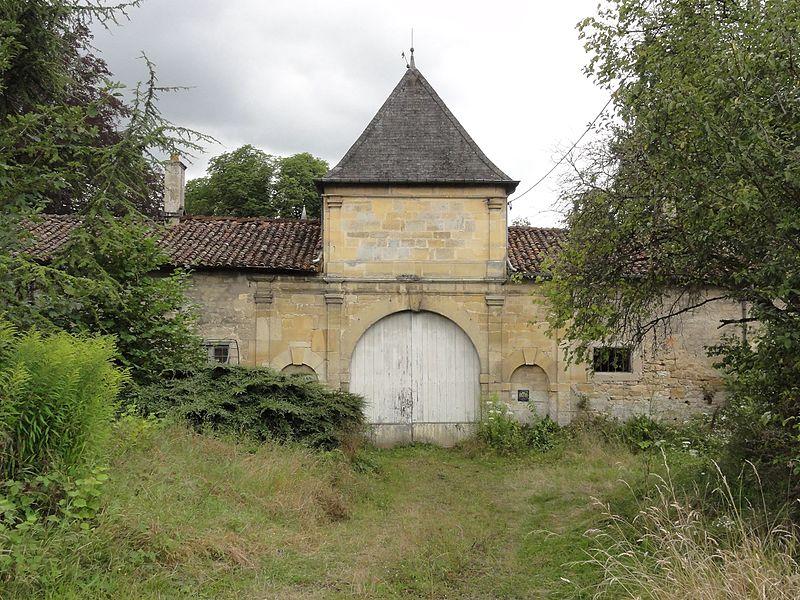Ville-sur-Sault (Meuse) château, entrée du domaine