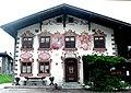 Vils Tirol Haus mit Fresken von Balthasar Riepp.jpg