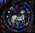 Vitrail Chartres Zodiaque 210209 02.jpg