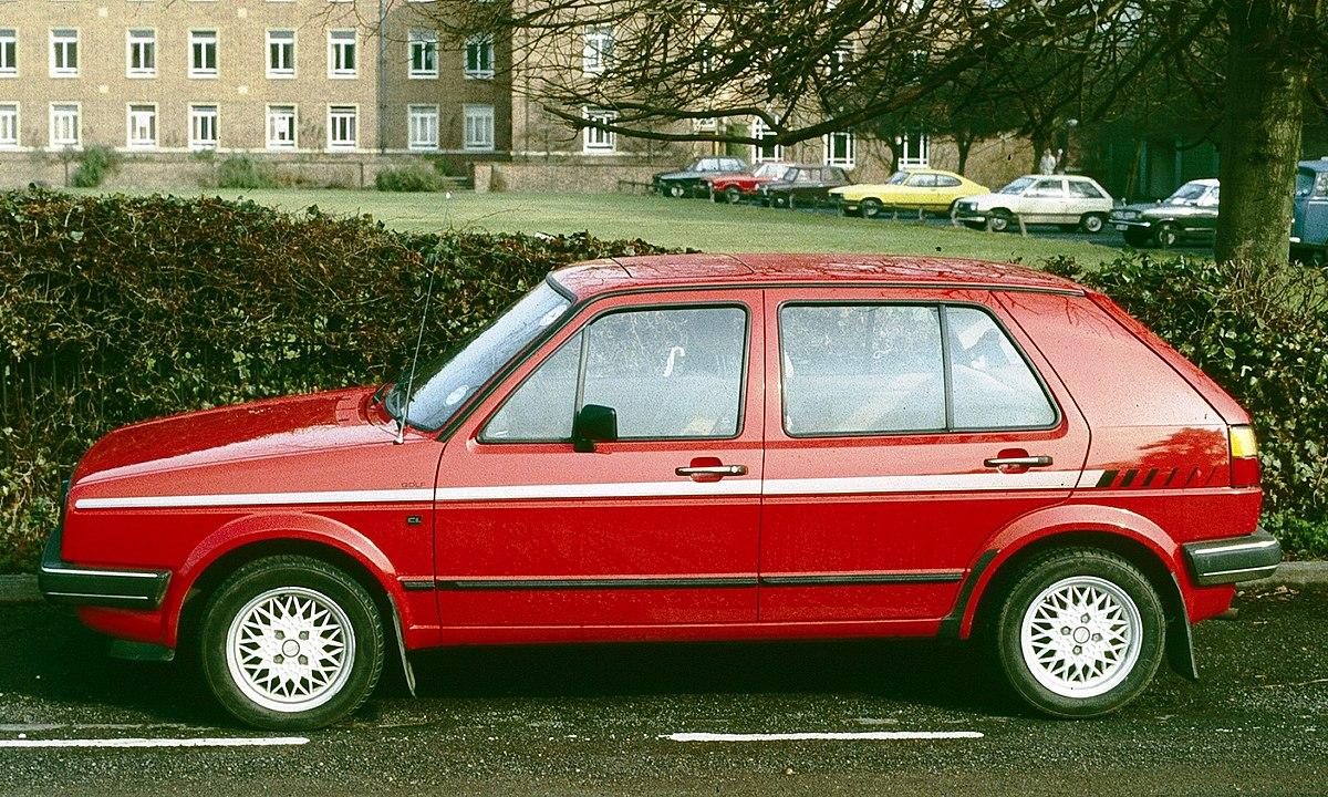 Volkswagen Golf 2 in profile.jpg