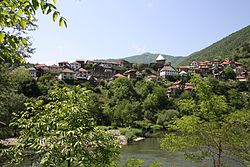 Vranduk from just above the waterline of the Bosna river