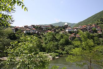 Vranduk (Zenica) - Vranduk from just above the waterline of the Bosna river