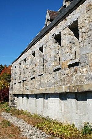 Old Stone Church (West Boylston, Massachusetts) - Image: Wachusett Old Stone Church Close