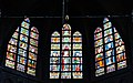 Walcourt Basilique St. Materne Innen Chorfenster.jpg