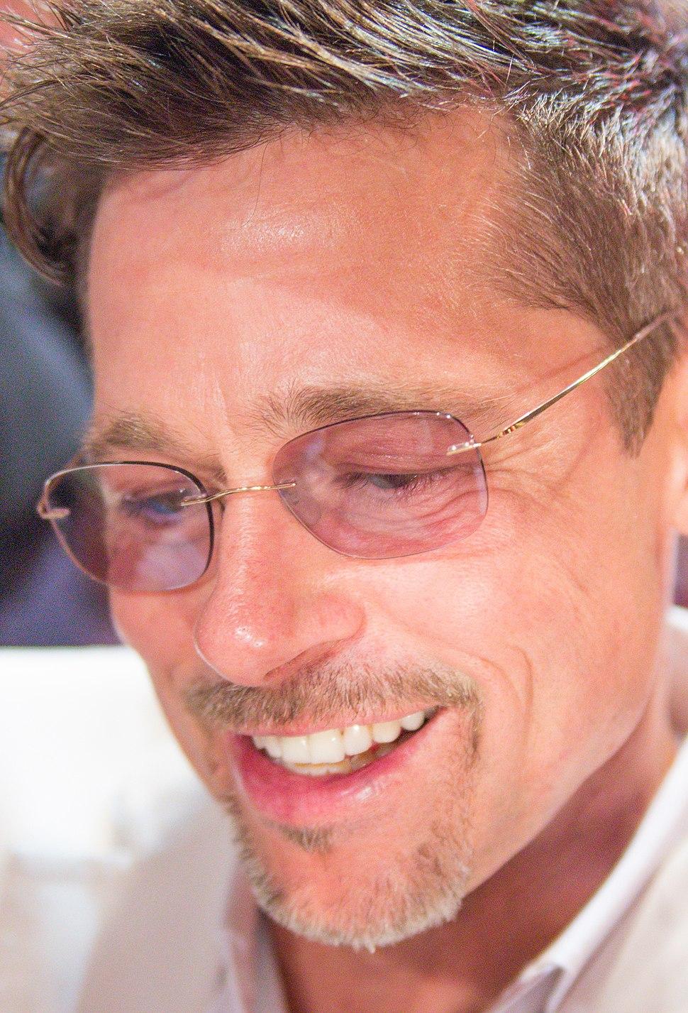 War Machine Japan Premiere Red Carpet- Brad Pitt (38338135926) (cropped)