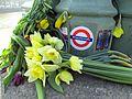 Westminster Bridge Flowers, 27 March 2017 (33685018465).jpg
