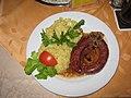 Wildschwein-Bratwurst mit Kartoffelsalat.JPG