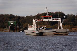 Wischhafen (Ship) 2011-by-RaBoe-22.jpg